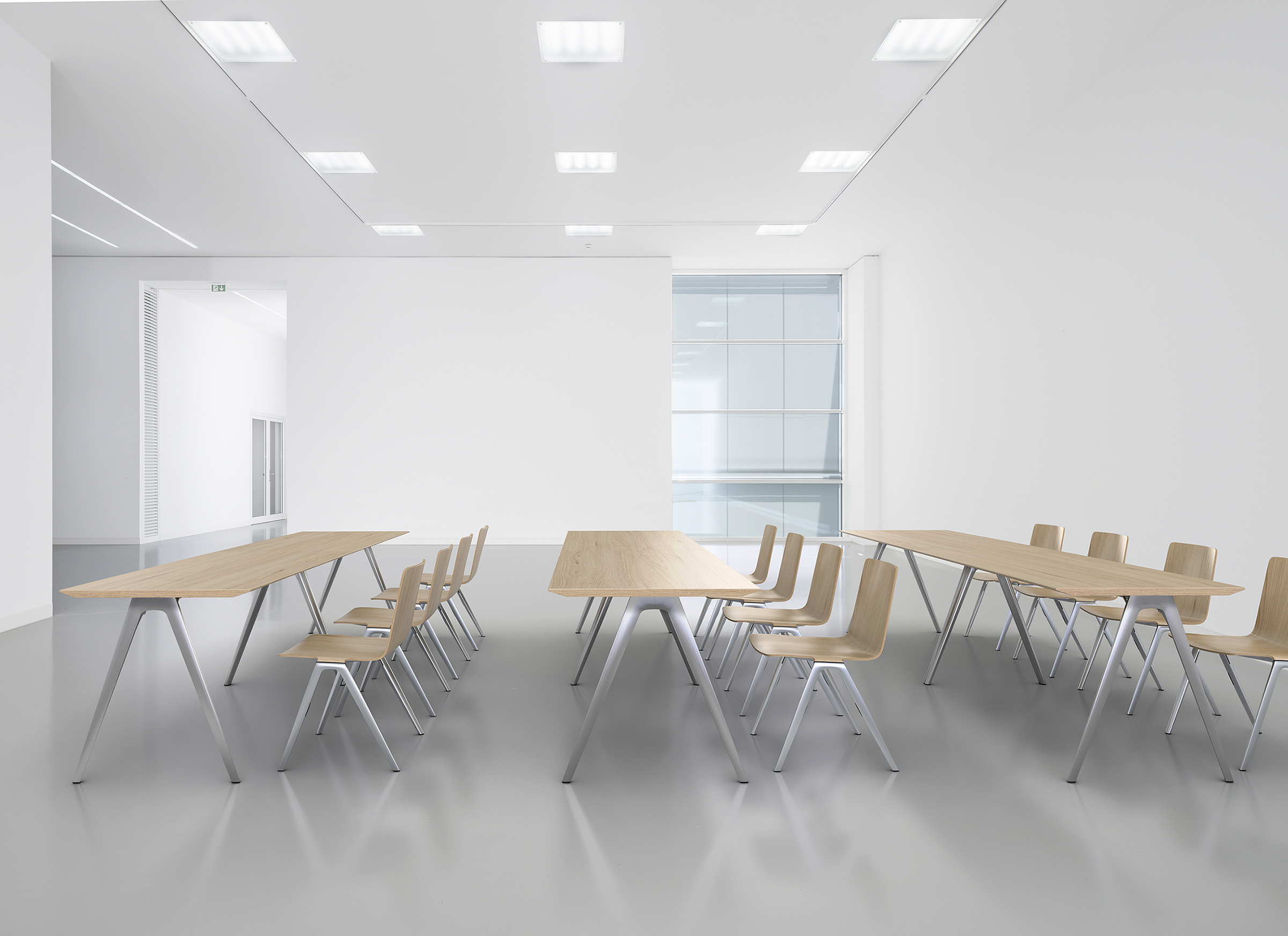 Davis Image 3_A Chair A Table
