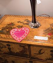 Love 200 Lex_Kati Curtis loves this vintage chest Thumbnail