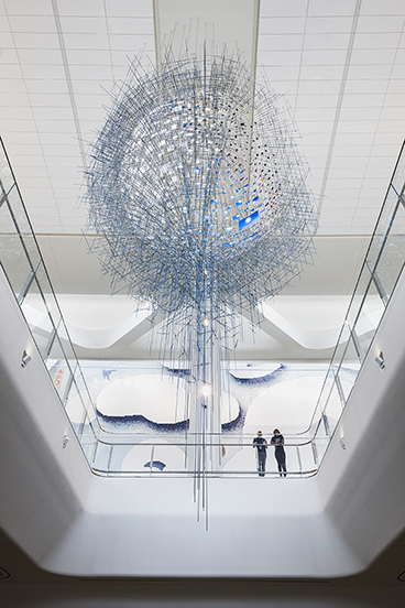 Amuneal and Sarah Sze Collaboration_LaGuardia_Sarah_Sze_Sculpture_Nicholas_Knight_04