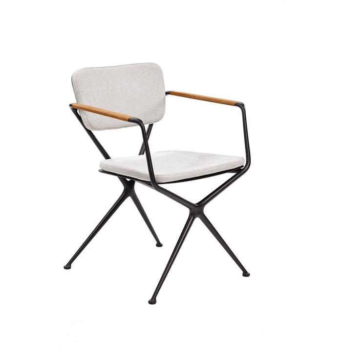 Royal-Botania_Exes-Arm-Chair_Gallery-2