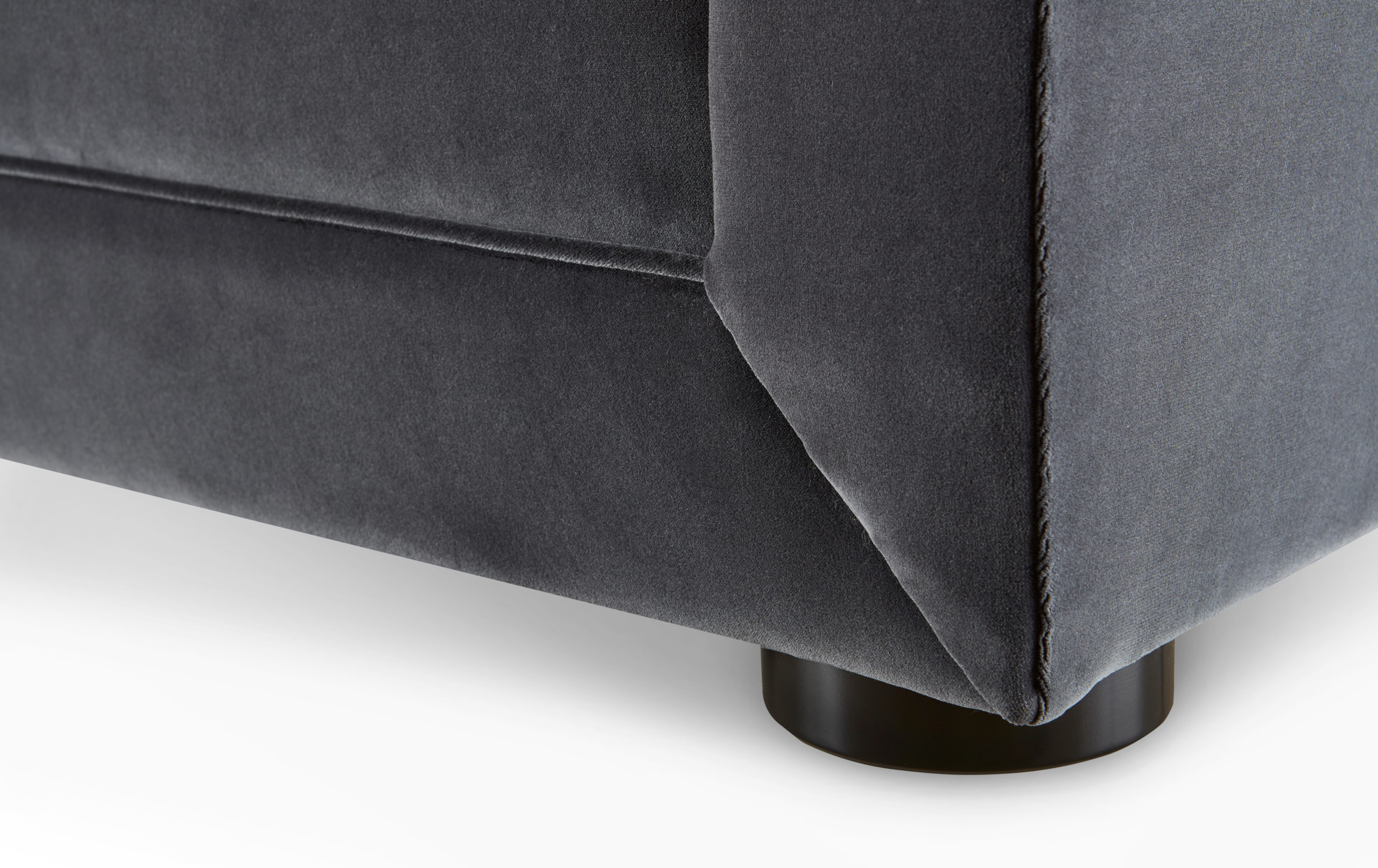 Baker_products_WNWN_anton_sofa_BAU3106S_DETAIL-scaled-1