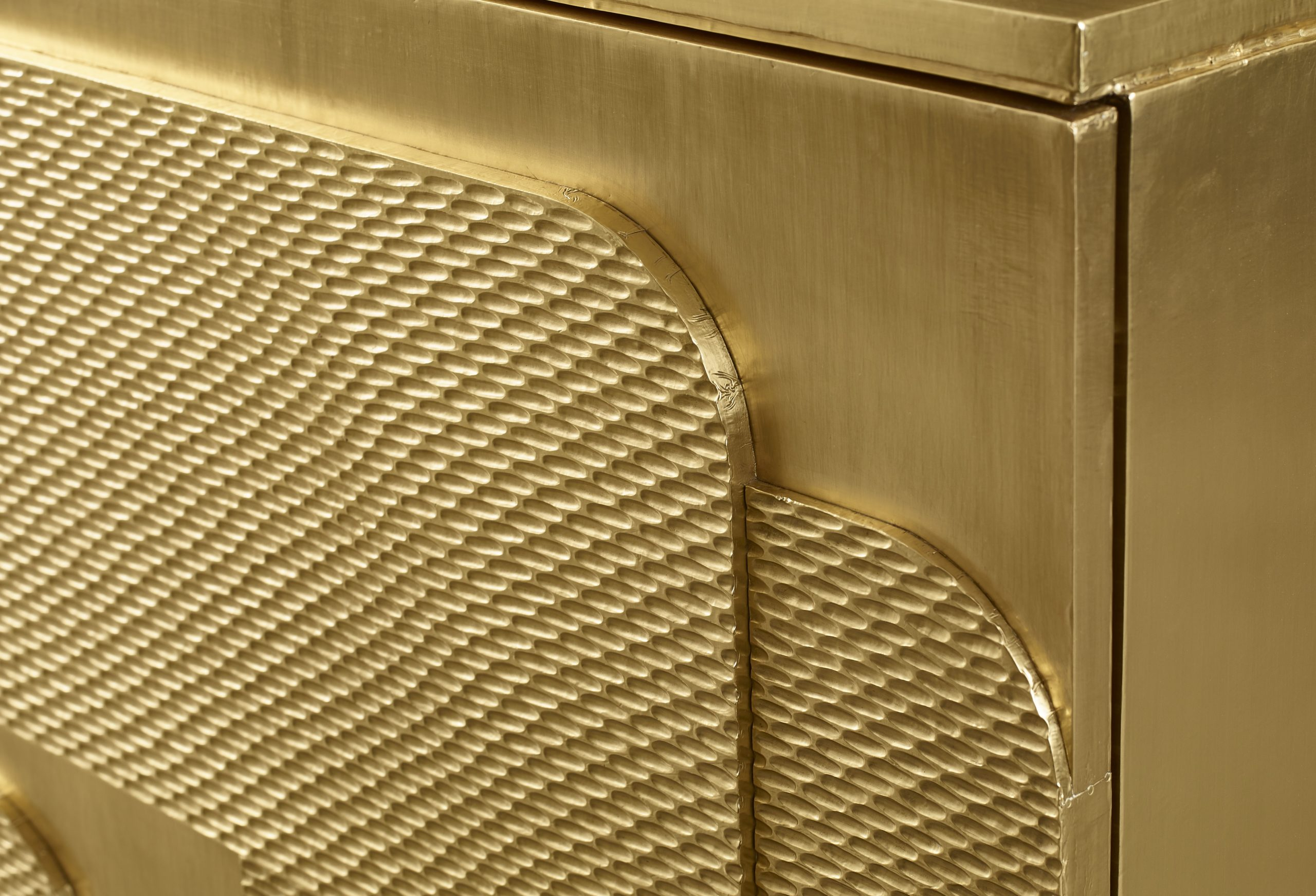 Baker_products_WNWN_milanese_chest_BAA3073_DETAIL-scaled-2