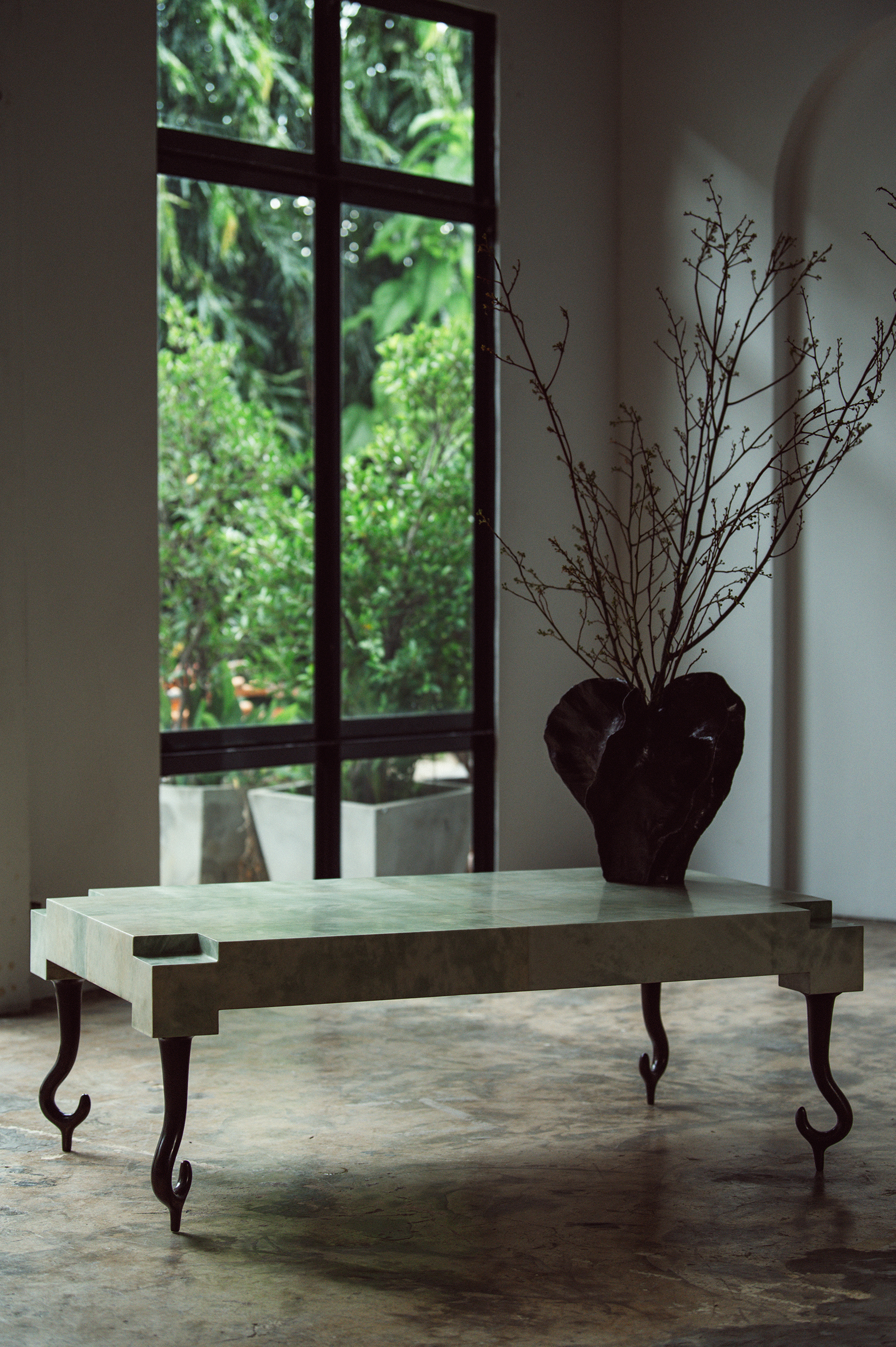 NYDC_WNWN_products_david_sutherland_elan_atelier_Faroh_Coffee_Table