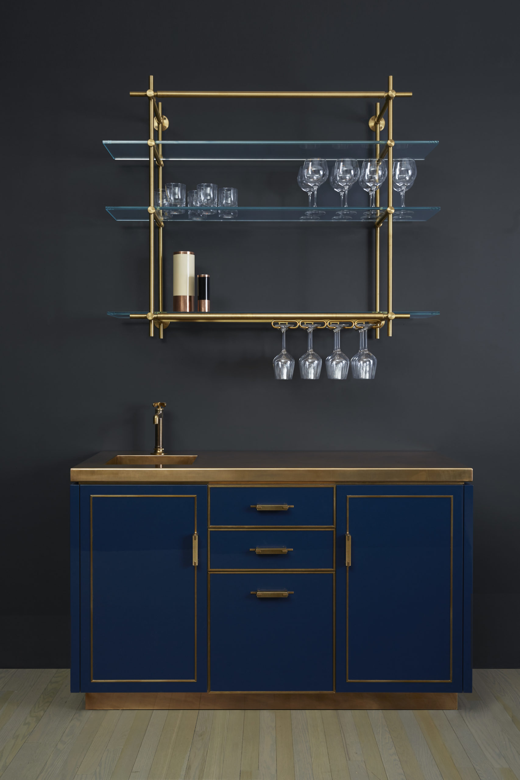 amuneal_products_WNWN_NYDC_2Lacquer-Bar-FRONT-Styled-amuneal_nycshowroom_2019_0330_proof-scaled-1
