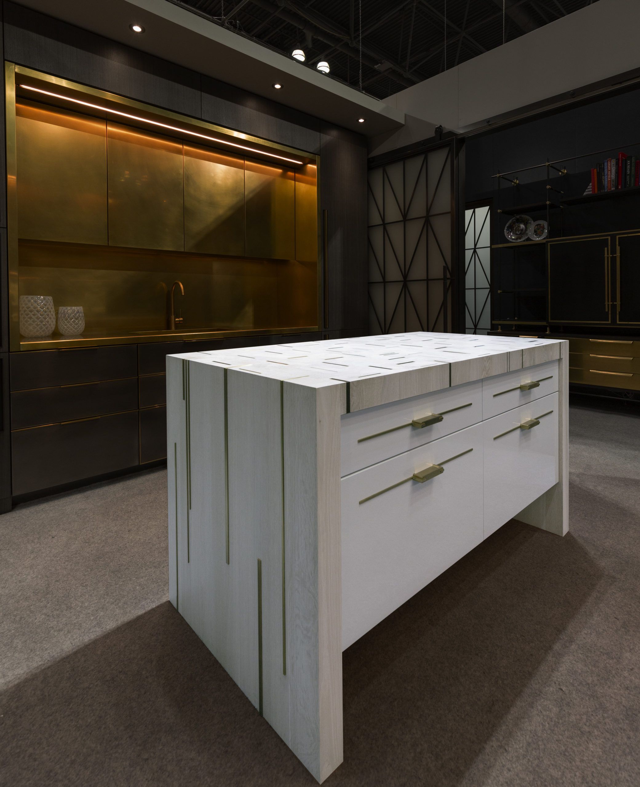 amuneal_products_WNWN_NYDC_3Island-Front-with-background-icff_2019_0171-scaled-1