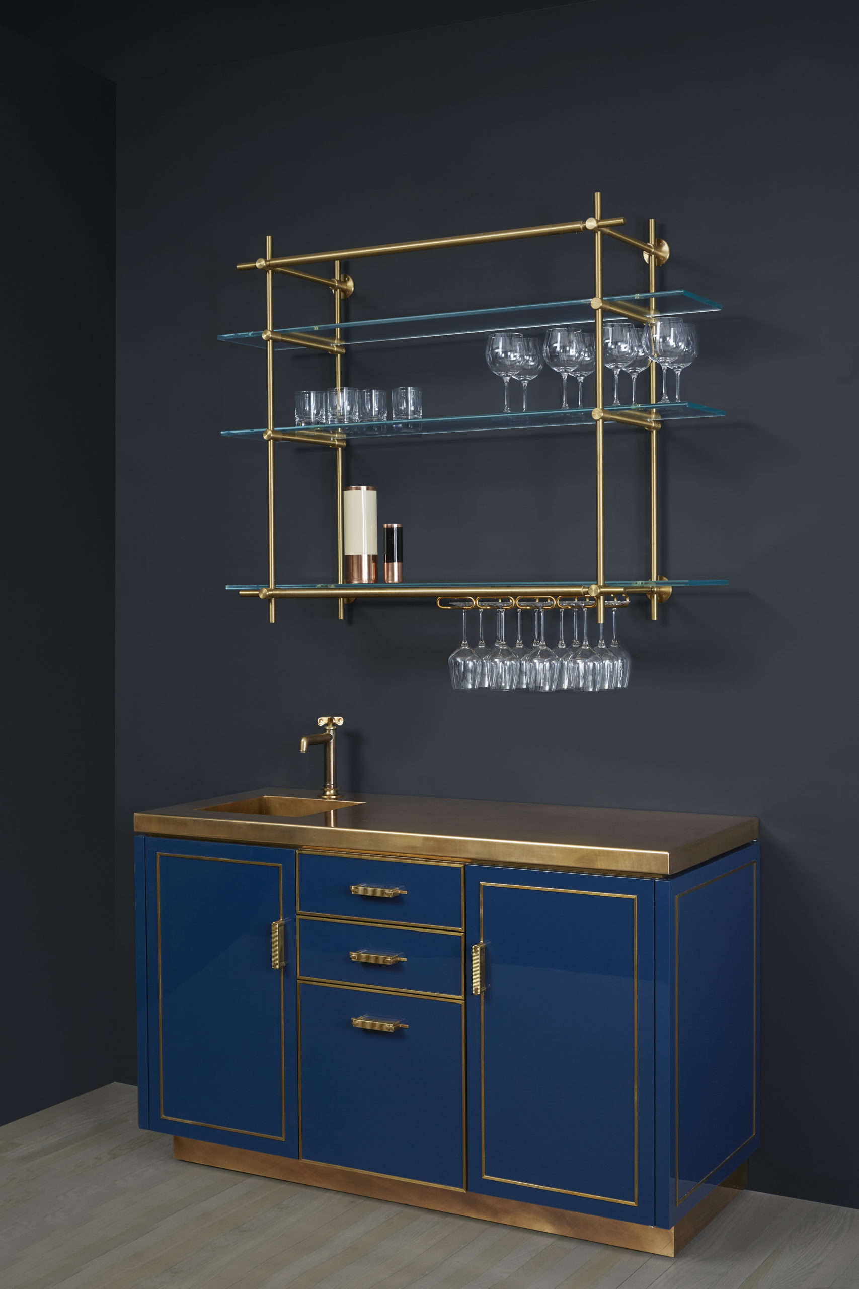amuneal_products_WNWN_NYDC_3Lacquer-Bar-SIDE-Styled-amuneal_nycshowroom_2019_0354_proof-scaled-1