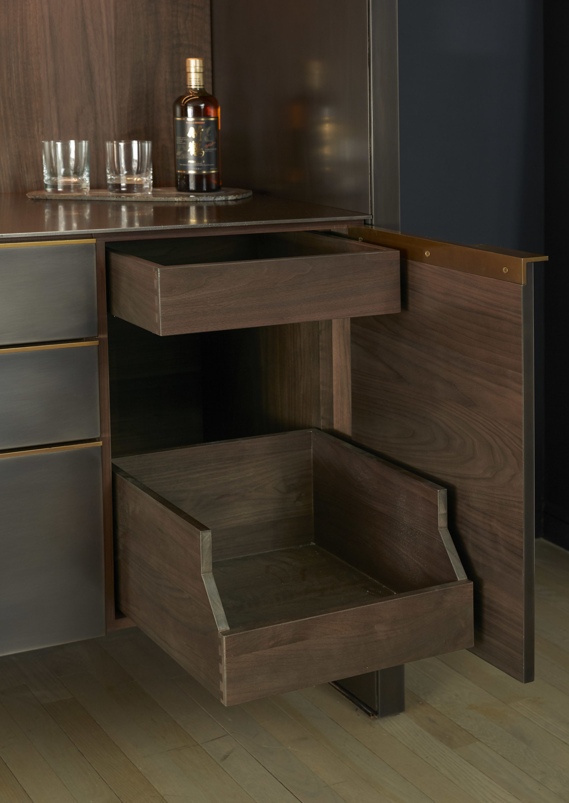 amuneal_products_WNWN_NYDC_4Blackened-Stainless-Bar-Detail-Whole-Cabinet-Pullout_nycshowroom-scaled-1