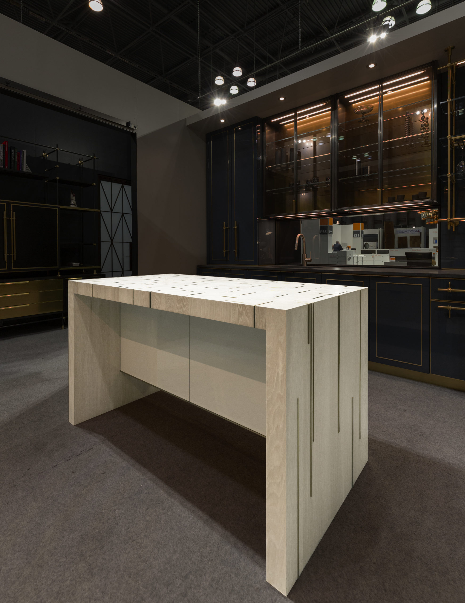 amuneal_products_WNWN_NYDC_5Island-back-with-background-icff_2019_0175-scaled-1