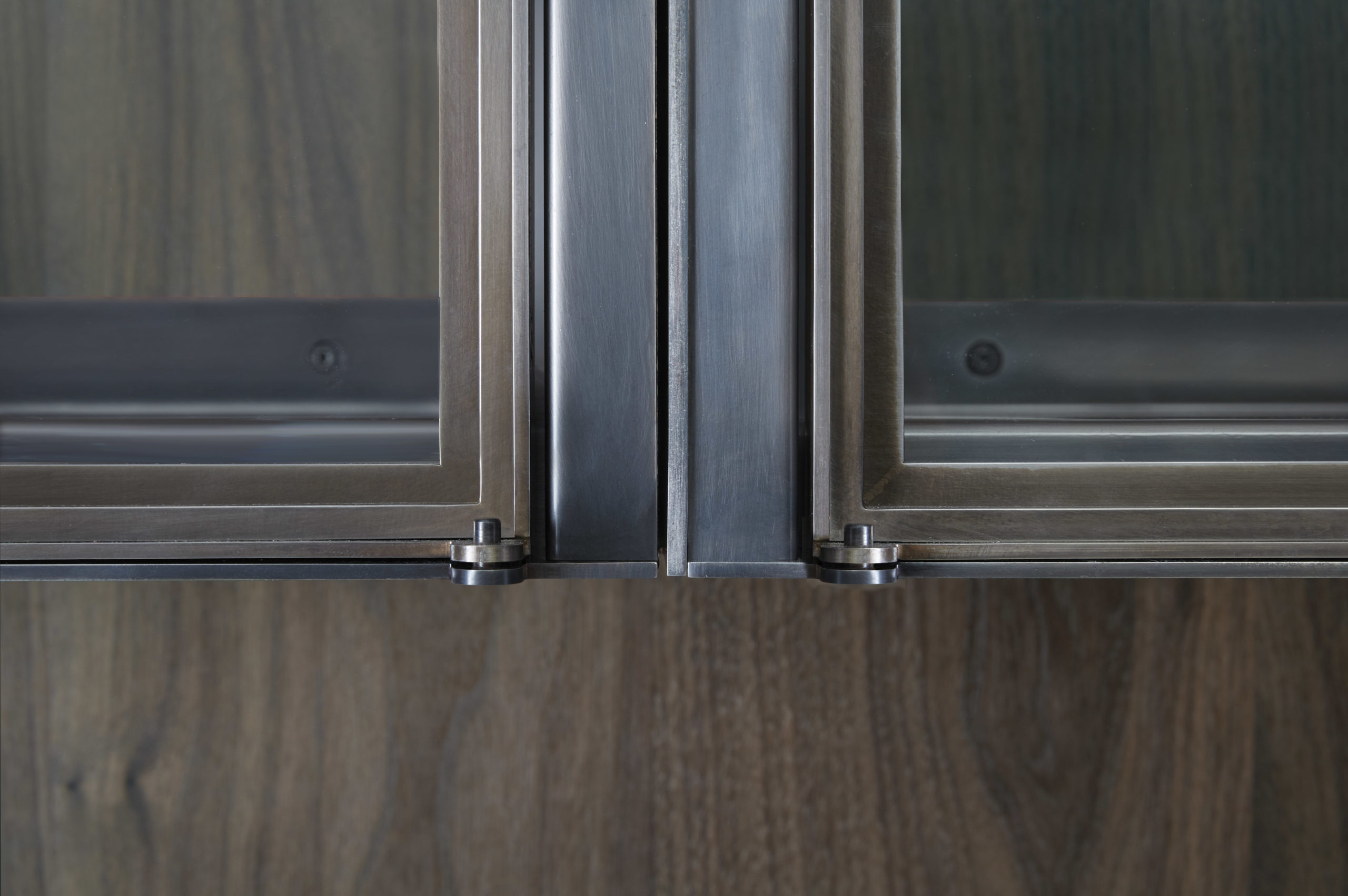 amuneal_products_WNWN_NYDC_6Blackened-Stainless-Bar-Detail-Cabinet-Hinge_nycshowroom-scaled-1