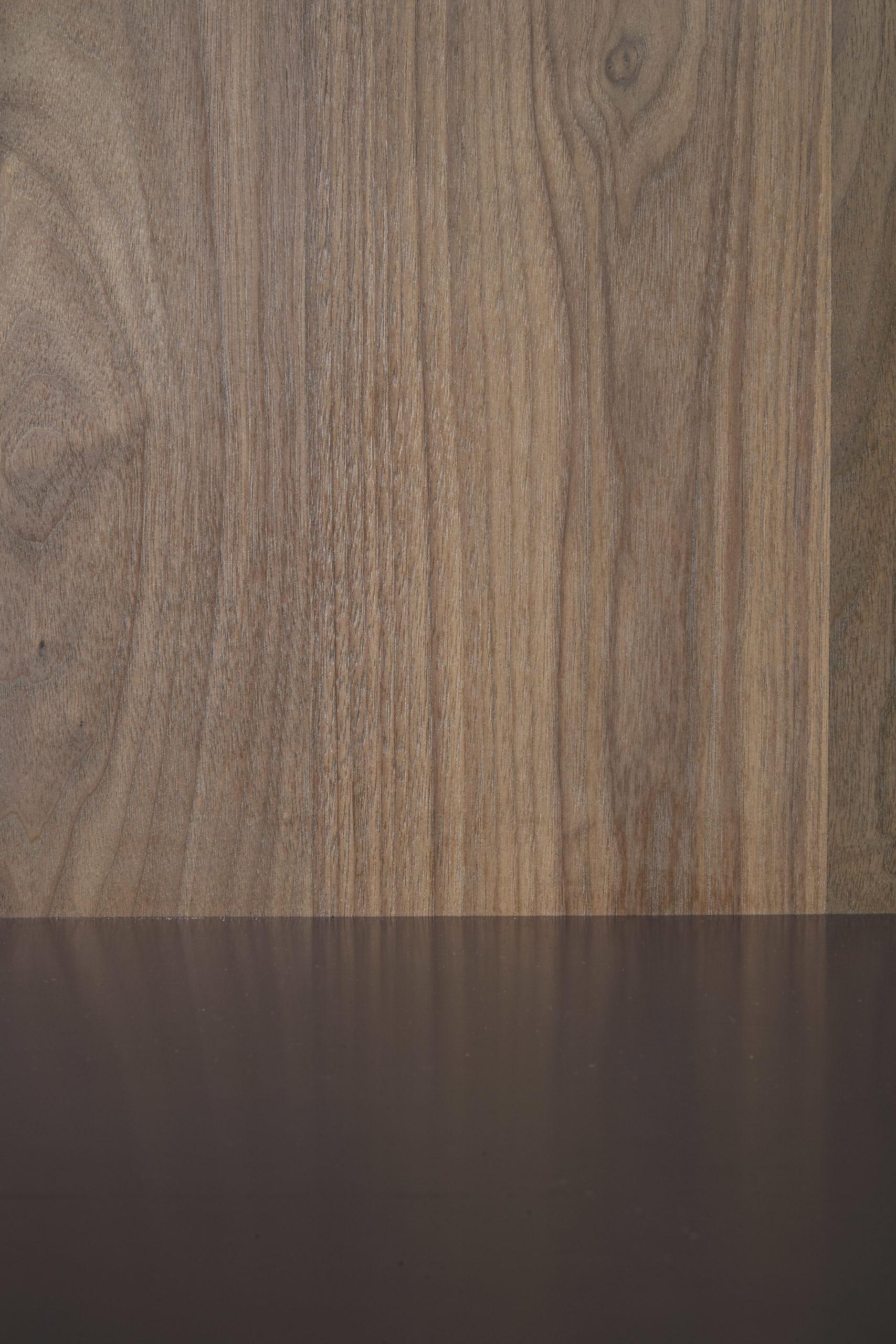 amuneal_products_WNWN_NYDC_7Blackened-Stainless-Bar-Detail-Wood-Backsplash_nycshowroom-scaled-1