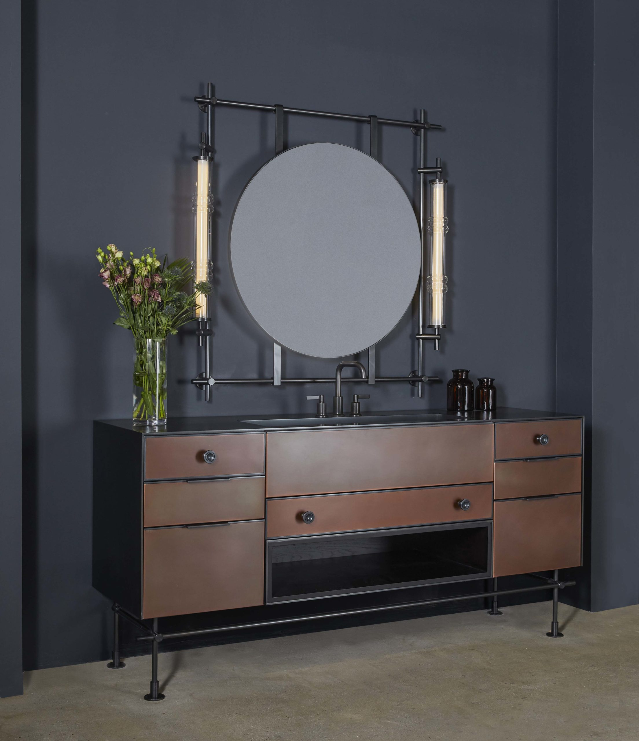 amuneal_products_WNWN_NYDC_collectors_round_vanity_mirror_totem_sconces_copper_front_angle-scaled-1