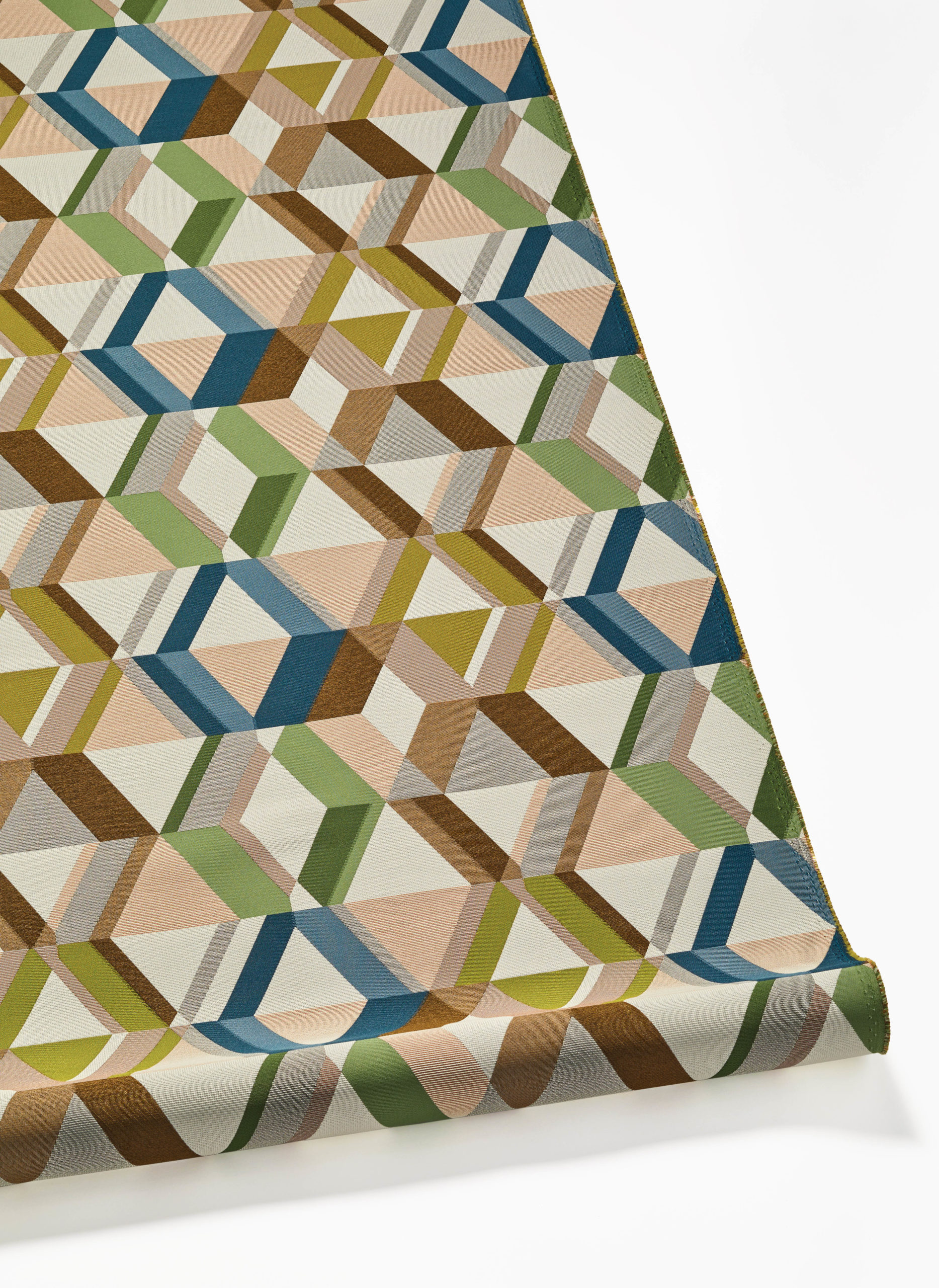 arc-com-fabric-Paragon_4-scaled-6