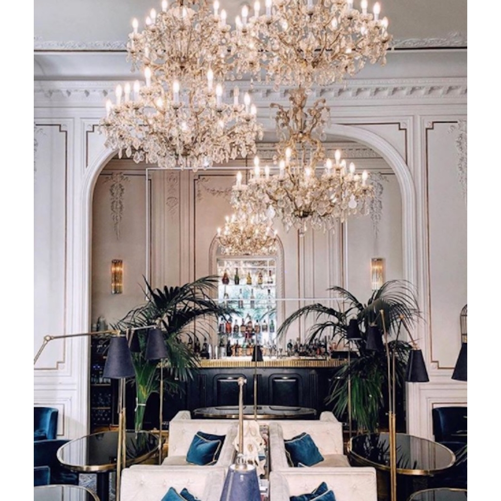 cosulich_interiors_and_antiques_products_new_york_design_1940s_italian_antique_baroque_revival_crystal_gilded_chandelier_hotel_lobby